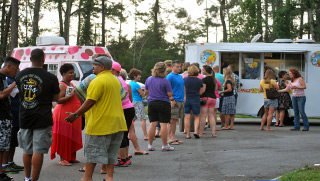 Food Truck Hump Days at the Great Bridge Waterways