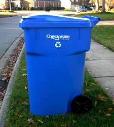 Place your bins with lids opening toward street with a minimum of 3 feet between each container and other objects.
